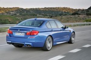 BMW M5 : 560 chevaux, 680 Nm de couple... et seulement deux roues motrices !