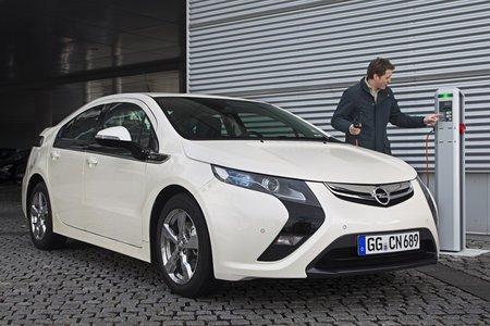 Non, ce n'est pas (qu')une voiture électrique ! (Opel Ampera)