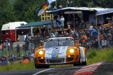 La 911 GT3 R Hybrid aux 24 Heures du Nuerburgring en 2011