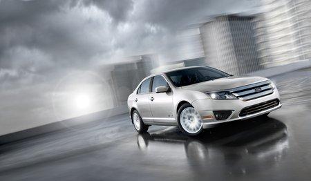 Le carbone permet de compenser le poids des batteries d'une voiture électrique ou hybride (ici, une Ford Fusion Hybrid)