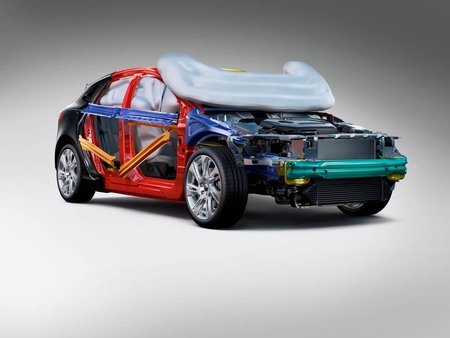 La structure de la Volvo V40 et ses multiples airbags