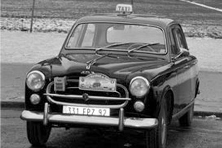 Une Peugeot 403 diesel de taxi (photo © Taxis G7)