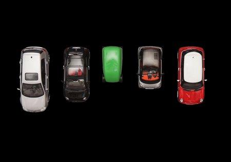 La taille de la T25, comparée aux : VW Golf, Fiat 500, Smart Fortwo et Mini.