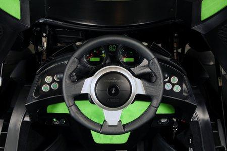 Le conducteur est installé au milieu... comme dans une McLaren F1 !