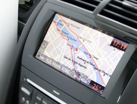 Un GPS intégré Peugeot avec infotrafic par TMC