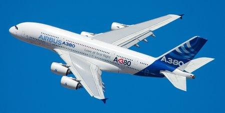 L'Airbus A380 a été le premier avion de ligne à utiliser extensivement les matériaux composites.