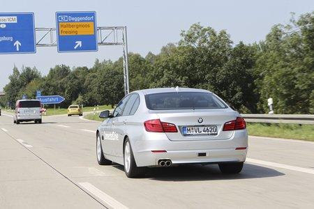 Rouler sur autoroute n'est pas si simple : il faut aussi gérer les échangeurs, zones de travaux ou encore péages.