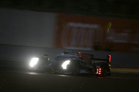 Les puissants phares à Leds de l'Audi R18 TDI (Le Mans 2011)