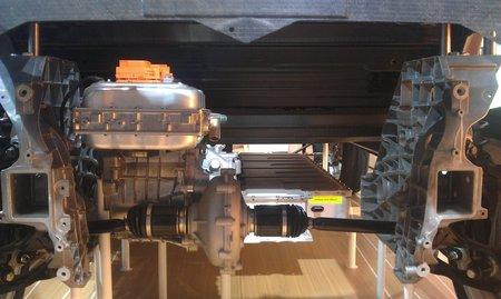 """Le moteur électrique de la BMW i3 (170 ch). L'espace libre à droit peut accueillir le """"range extender"""" optionnel."""