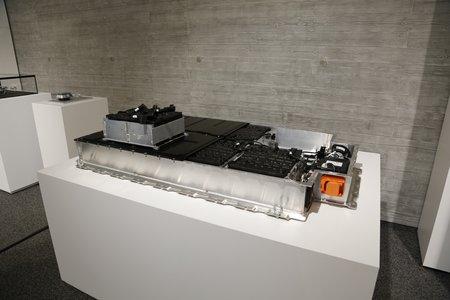 Le pack de batteries Li-ion d'une BMW i3.