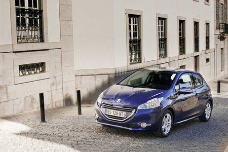 Peugeot propose l'appel d'urgence depuis 2003.