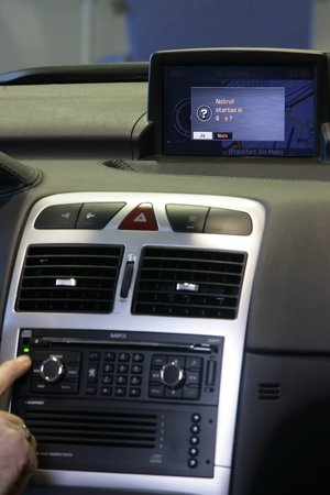 L'appel d'urgence sur une Peugeot 207 CC.