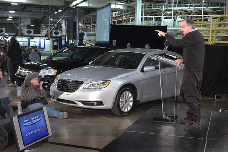 """You talkin' to me ?"" Sergio Marchionne préfère travailler son anglais chez Chrysler..."