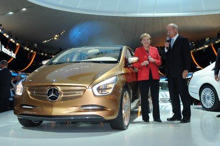 Angela Merkel défend bec et ongles les constructeurs allemands !