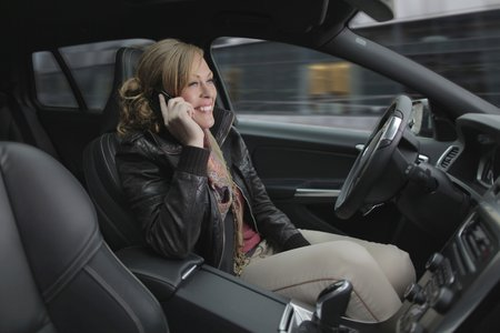 Téléphoner ou conduire : plus besoin de choisir !