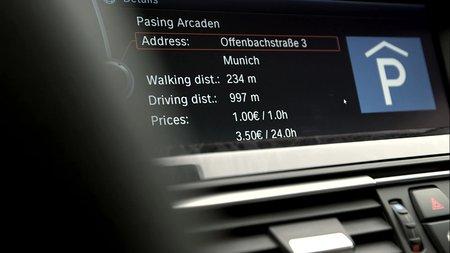 Le système peut même connaître le prix du parking.