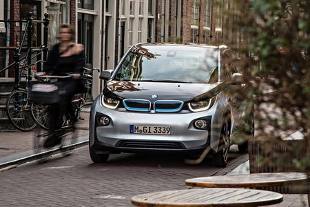 Déjà 11 000 commandes en trois mois et demi pour la BMW i3.