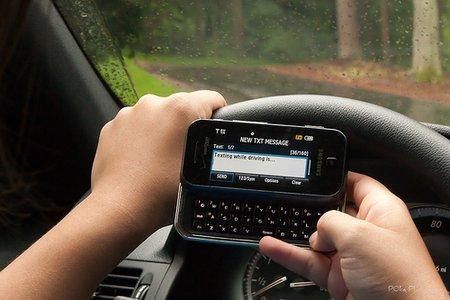 """Un tiers des moins de 35 """"textotent"""" au volant (photo CC Flickr/VCU CNS)"""