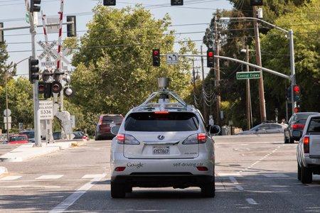 """Une """"Google Car"""" dans les rues de Californie."""