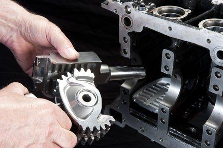 Roue de transmission et crémaillères d'un cylindre du moteur VCRi (© MCE-5 Development – Philippe Stroppa – Histoire d'Entreprise)