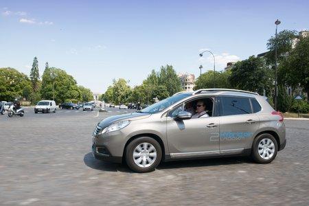 Un prototype de 2008 Hybrid Air à l'essai dans les rues de Paris