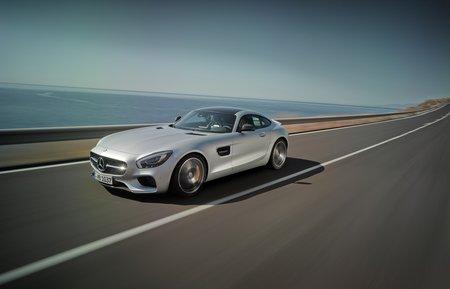 La Mercedes-AMG GT se plie à la loi du downsizing... mais n'abandonne pas son V8 pour autant !
