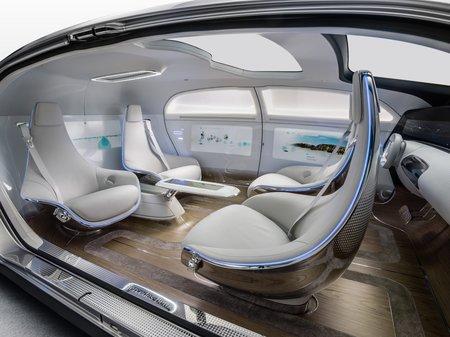 L'habitacle de la Mercedes F 015.