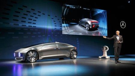 Présentation de la Mercedes F 015 Luxury in Motion au CES de Las Vegas.