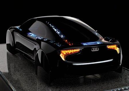 Le concept-car Audi R8 OLED montre ce qu'il est possible de faire avec les diodes nouvelle génération.