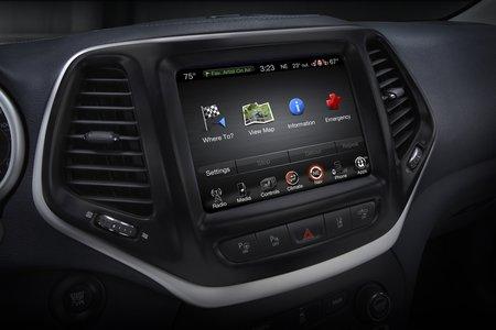 Le système d'info-divertissement Uconnect du Jeep Cherokee