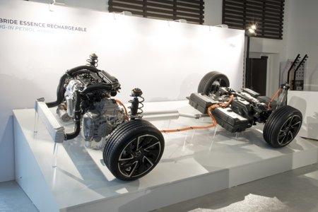 La chaîne cinématique des futurs hybrides rechargeables PSA.