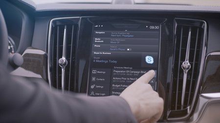 L'application Skype for Business embarquée sur les Volvo.