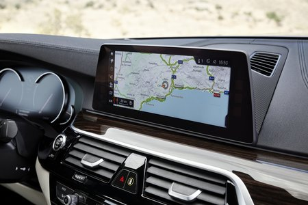 Les GPS modernes peuvent déjà mettre à jour leur cartographie par connexion 3G/4G.