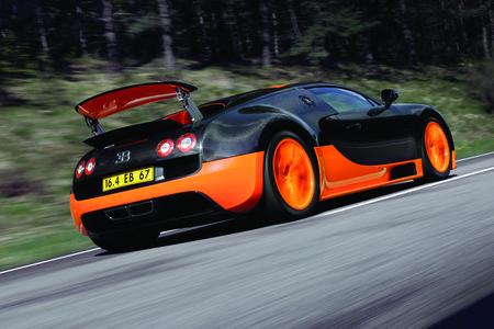 La Bugatti Veyron Super Sport et son énorme aileron/aérofrein.