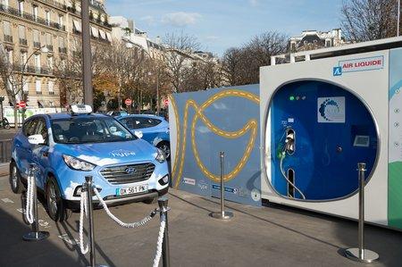 Un taxi parisien en Hyundai ix35 à pile à combustible