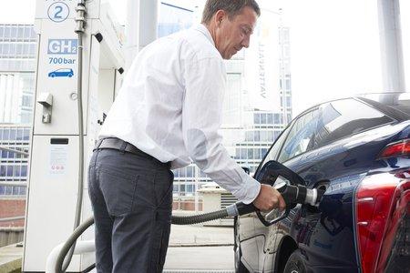 La quasi absence de stations distribuant de l'hydrogène reste le plus gros obstacle au développement de ce carburant.