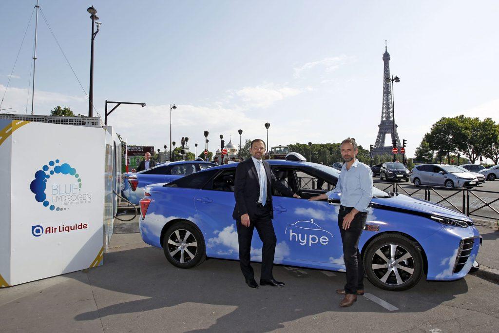 Un taxi Toyota Mirai à hydrogène à Paris