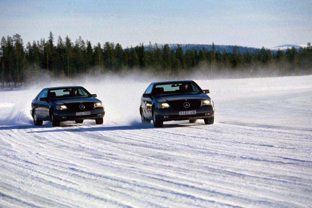 L'ESP est apparu en 1995 sur le coupé Mercedes 600 SEC